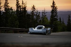 VW I.D. R Rennwagen Pikes Peak Race to the Clouds 2018 USA