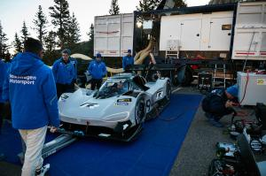 VW-I.D.-R-Rennwagen-Pikes-Peak-Race-to-the-Clouds-USA-Volkswagen-9