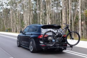 VW Tiguan SE R-Line Black RiNo Concept Tuning Karosserie-Anbauteile Verbreiterung Felgen Räder Rotiform Tieferlegung Bremsanlage Abgasanlage Fahrradträger Mountainbike Volkswagen of America Enthusiast Fleet
