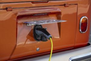 Volkswagen Nutzfahrzeuge e-Bulli T1 Samba eClassics Elektroauto