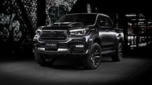 Toyota Hilux Black Bison Edition von Wald International